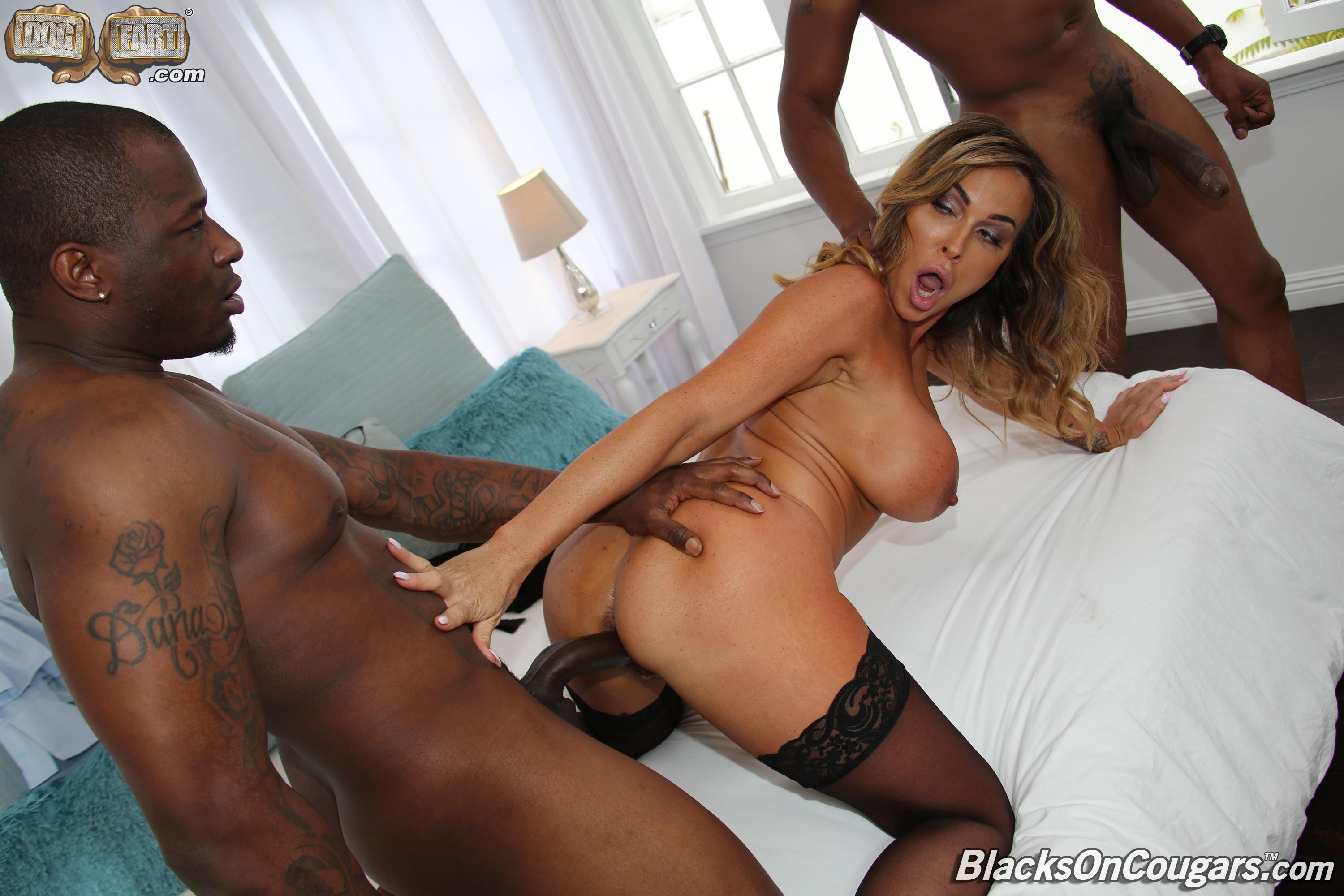 Two black guys fuck wife in front of husband 3