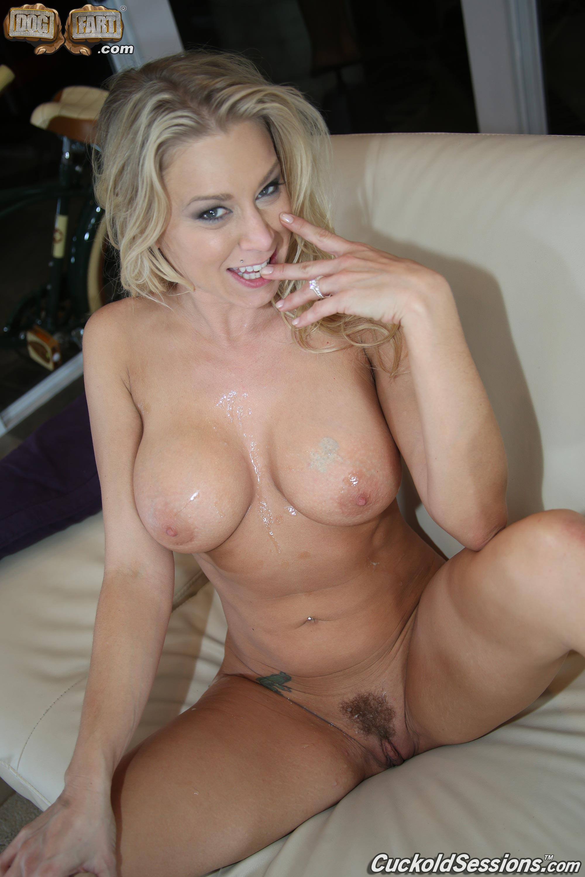 Katie morgan gets her gaping pussy deep 6
