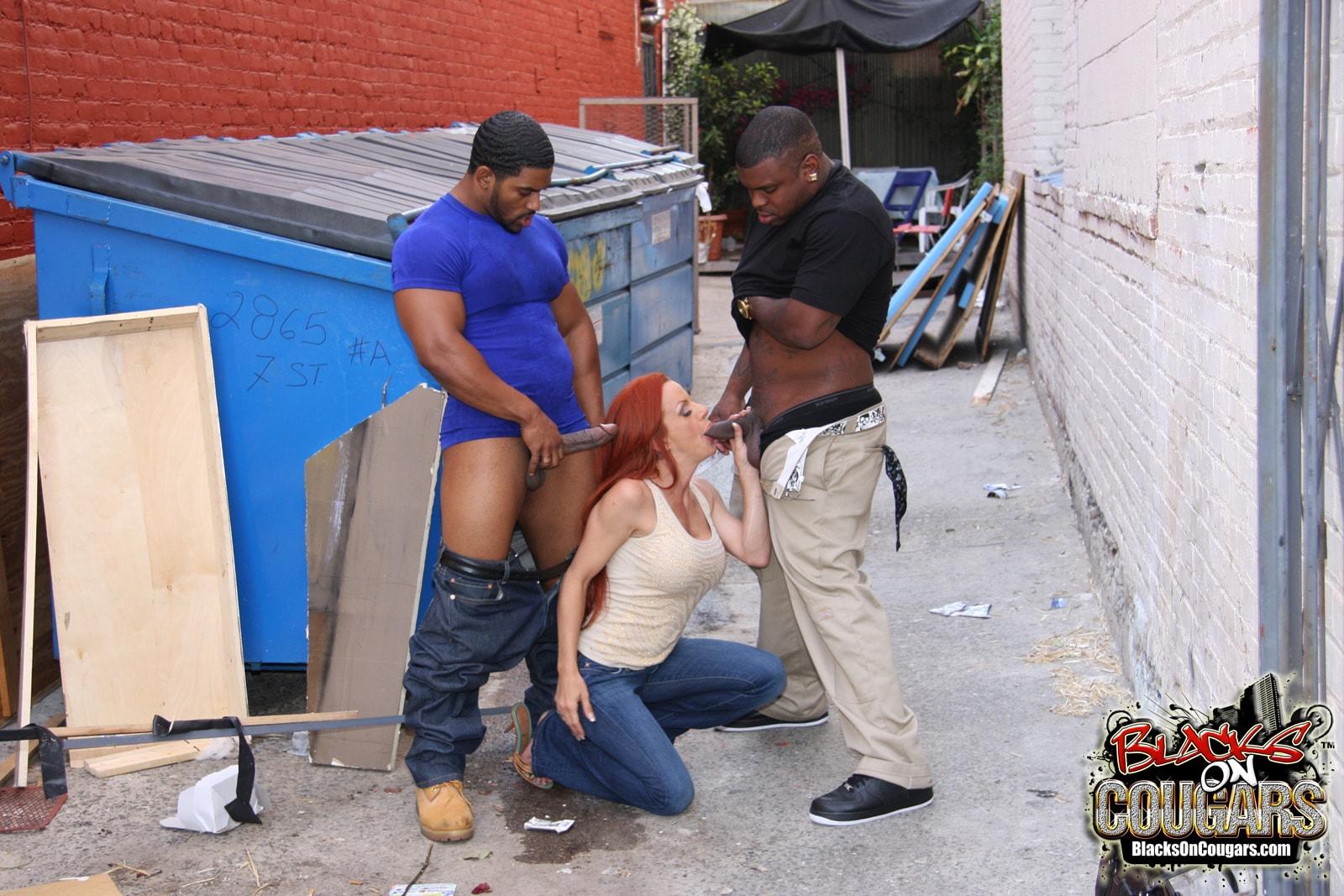 Смотреть порно в переулки 12 фотография