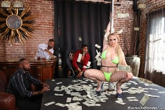 Skylar Vox - Skylar Vox - Blacks On Blondes | Picture (7)