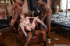 Skylar Vox - Skylar Vox - Blacks On Blondes | Picture (27)