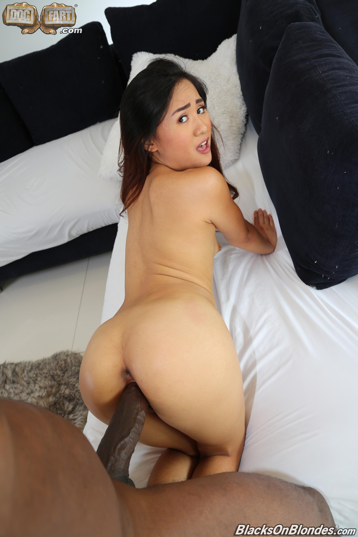 Elle Voneva SexHD Pics :