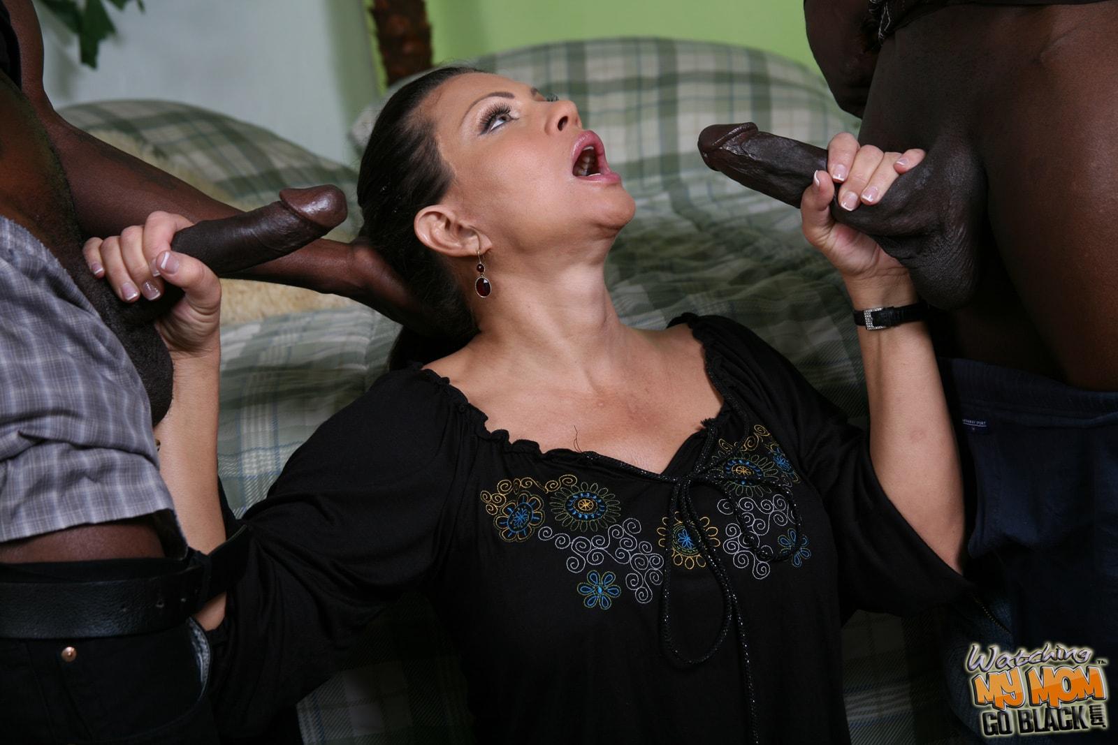 moms-getting-black-dick-middleestern-girls-feet
